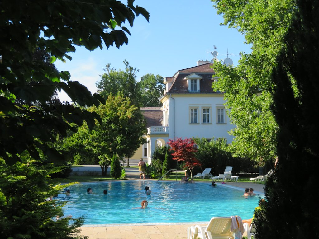 Bike tours Vienna-Balaton-Budapest - A lovely wellness castle
