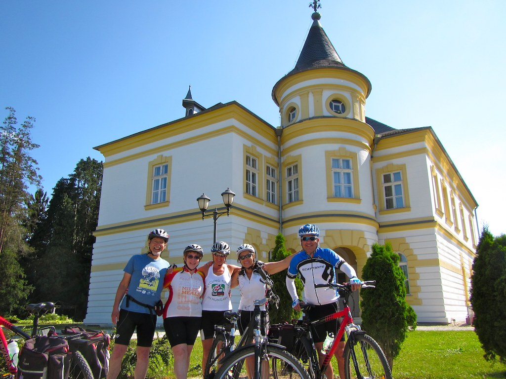 Bike tours Vienna-Balaton-Budapest - A nice mansion in West Hungary