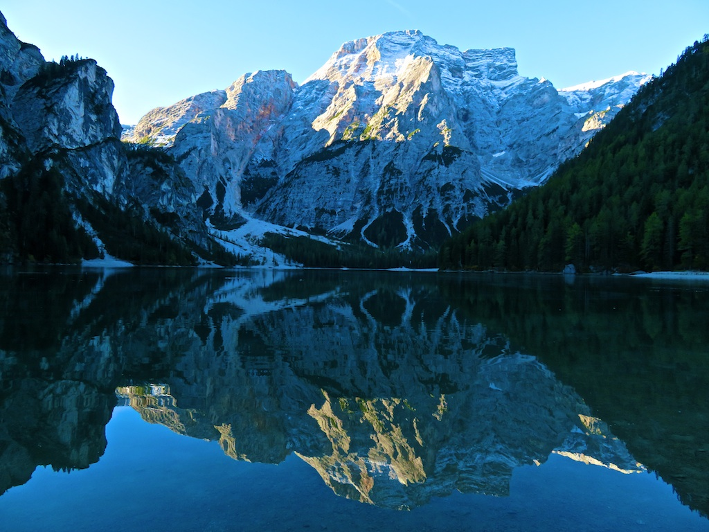 Bike tours in Italy Innsbruck-Venice - The most picturesque lake of the Dolomites