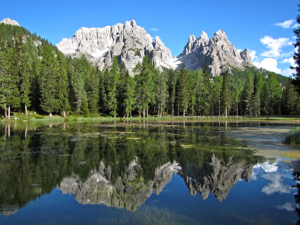Cycling tours in Italy-Lake Como-Venice - A lake mirror at Cortina d' Ampezzo