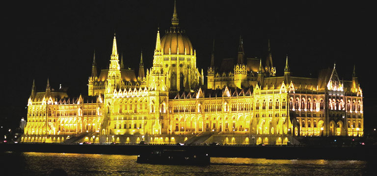 Castles and Lakes - Budapest - Vienna